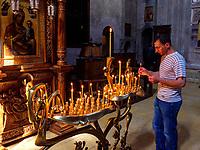 In der Kirche, Kloster Samtavro in Mzcheta, Georgien, Europa, UNESCO-Weltkulturerbe<br /> monastery Samtawro in Mzcheta,  Georgia, Europe, Heritage site
