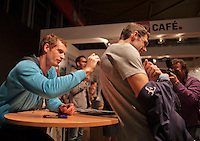 10-02-14, Netherlands,Rotterdam,Ahoy, ABNAMROWTT, Andy Murray signing autographs<br /> Photo:Tennisimages/Henk Koster
