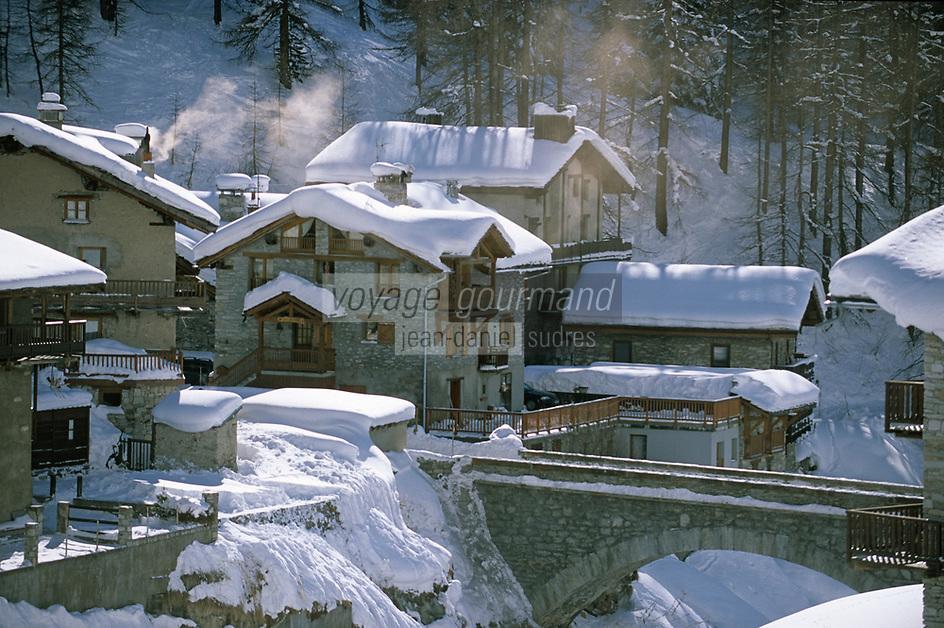 Europe/France/73/Savoie/Val d Isere/ Le Fornet 1930 m plus haut hameau au pied du Col de l Iseran