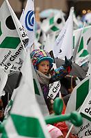Manifestation des enseignants contre l'austerite,  28 octobre 2015 a Longeuil.<br /> <br /> PHOTO : Agence Quebec Presse<br /> <br /> Manifestation des enseignants contre l'austerite,  28 octobre 2015 a Longeuil.<br /> <br /> PHOTO : Agence Quebec Presse