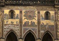 Europe/République Tchèque/Prague:Cathédrale Saint-Guy- la Porte dorée