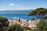 Frankreich, Provence-Alpes-Côte d'Azur, Saint-Tropez: Blick ueber die Altstadt | France, Provence-Alpes-Côte d'Azur, Saint-Tropez: View over old town