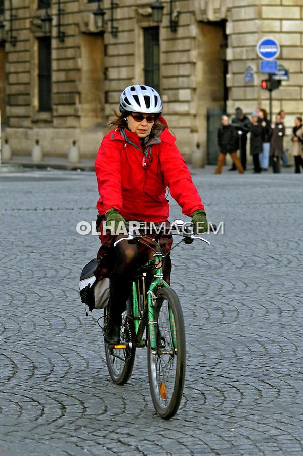 Transporte em bicicleta. Paris. França. 2004. Foto de Ricardo Azoury.