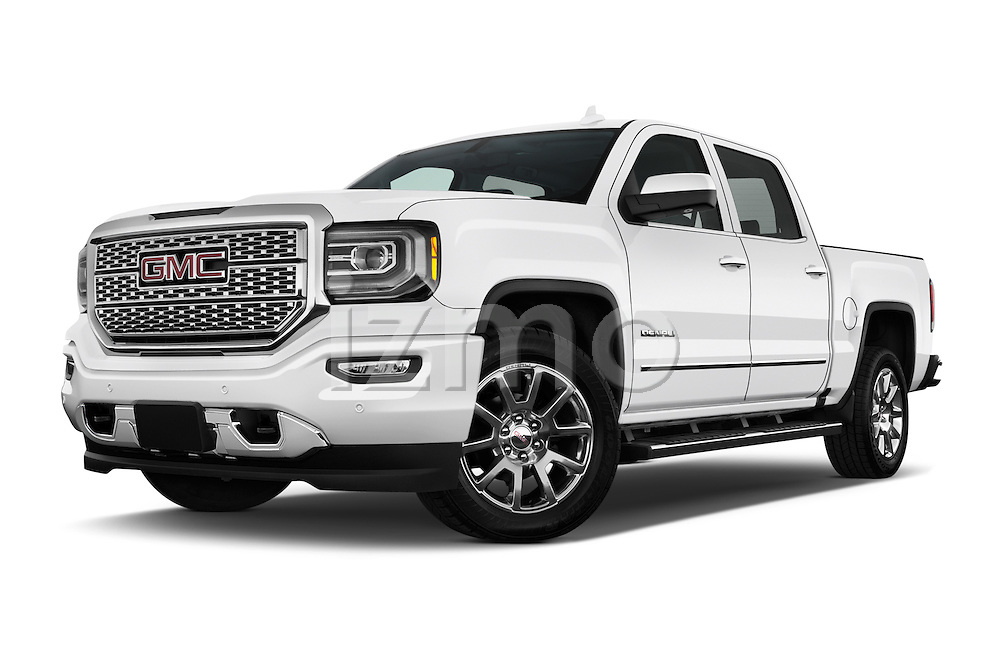 Stock pictures of low aggressive front three quarter view of 2018 GMC Sierra 1500 Denali 4WD Crew Cab Short Box Denali 4 Door Pick-up Low Aggressive