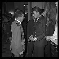 2 juin 1965. Vue de Johnny Hallyday en conversation ,réception du gala de la Légion.