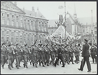 Parade of Canadian troops in Amsterdam for HM Queen Wilhelmina Date: June 28, 1945 Location: Amsterdam