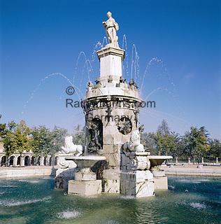 Spain, Madrid: Palacio Real - fountain in Jardin de la Isla   Spanien, Madrid: Palacio Real - Brunnen im Jardin de la Isla