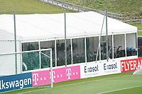 Niklas Süle (Deutschland Germany) und Jonas Hofmann (Deutschland Germany) im Fitnesszelt - Seefeld 29.05.2021: Trainingslager der Deutschen Nationalmannschaft zur EM-Vorbereitung