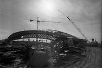 Construction du velodrome pour les Olympiques de 1976,  vers 1975 (date inconnue)<br /> <br /> PHOTO :  Agence Quebec Presse - Alain Renaud