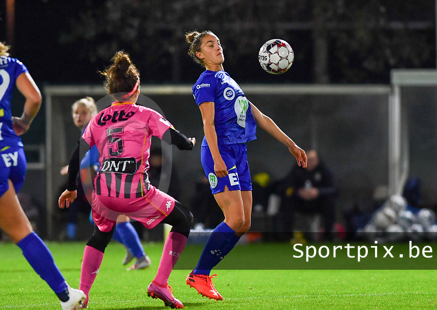 Chloe Vande Velde (10 Gent) pictured in action during a female soccer game between  AA Gent Ladies and Sporting Charleroi Feminin on the fifth matchday of the 2020 - 2021 season of Belgian Scooore Womens Super League , friday 16 th of October 2020  in Oostakker , Belgium . PHOTO SPORTPIX.BE | SPP | DAVID CATRY