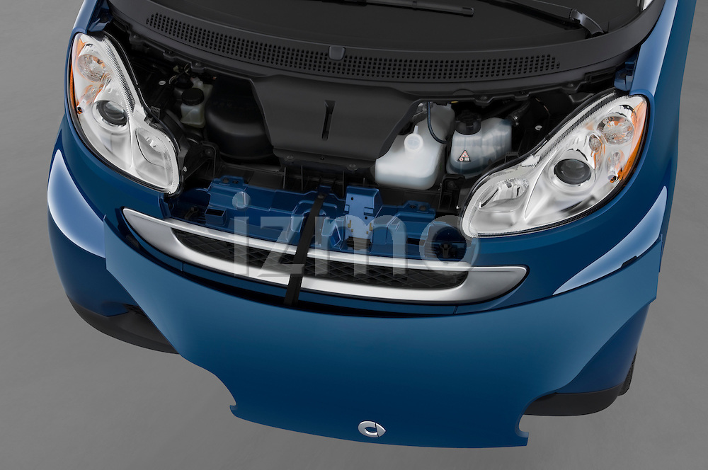 High angle engine detail of a 2009 SmartForTwo Cabriolet .