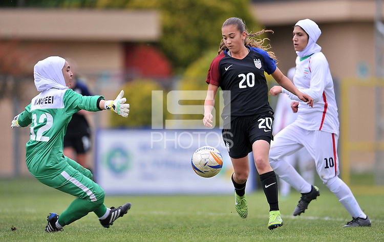 Monfalcone, Italy, April 26, 2016.<br /> USA's #20 Yates scoring his third goal for the 4-0 during USA v Iran football match at Gradisca Tournament of Nations (women's tournament). Monfalcone's stadium.<br /> © ph Simone Ferraro / Isiphotos