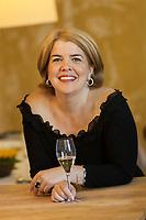 Canada, Québec, Montréal, l'écrivaine Chrystine Brouillet en 2006 lors de la sortie du livre Couleur Champagne <br /> PHOTO :  Agence Quebec presse