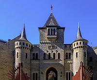 Eingang zum Welfen  - Schloss Marienburg bei Pattensen, Niedersachsen, Deutschland, Europa<br /> Entrance, Castle of the Welfs near Pattensen , Lower Saxony, Germany, Europe