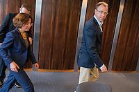 Vorstellung des Landesamt fuer Fluechtlingsangelegenheiten Berlin durch den Senator fuer Gesundheit und Soziales, Mario Czaja (CDU) am Mittwoch den 20. Juli 2016.<br /> Die neue Behoerde soll zum 1. August 2016 ihre Arbeit aufnehmen. Praesidentin des Landesamt fuer Fluechtlingsangelegenheiten (LAF) wird Claudia Langeheine, ehem. Direktorin des Landesamtes fuer Buerger- und Ordnungsangelegenheiten.<br /> Im Bild vlnr.: Claudia Langeheine und Senator Czaja.<br /> 20.7.2016, Berlin<br /> Copyright: Christian-Ditsch.de<br /> [Inhaltsveraendernde Manipulation des Fotos nur nach ausdruecklicher Genehmigung des Fotografen. Vereinbarungen ueber Abtretung von Persoenlichkeitsrechten/Model Release der abgebildeten Person/Personen liegen nicht vor. NO MODEL RELEASE! Nur fuer Redaktionelle Zwecke. Don't publish without copyright Christian-Ditsch.de, Veroeffentlichung nur mit Fotografennennung, sowie gegen Honorar, MwSt. und Beleg. Konto: I N G - D i B a, IBAN DE58500105175400192269, BIC INGDDEFFXXX, Kontakt: post@christian-ditsch.de<br /> Bei der Bearbeitung der Dateiinformationen darf die Urheberkennzeichnung in den EXIF- und  IPTC-Daten nicht entfernt werden, diese sind in digitalen Medien nach §95c UrhG rechtlich geschuetzt. Der Urhebervermerk wird gemaess §13 UrhG verlangt.]