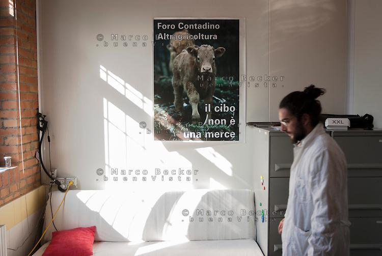 """Varzi (Pavia), Cooperativa Agricola Canedo: allevamento semibrado di bovini da carne. Laboratorio di lavorazione e spaccio aziendale. """"Il cibo non è una merce"""" --- Varzi (Pavia), Canedo Agricultural Cooperative: semi-wild breeding of beef cattle. Processing laboratory and farm shop. """"Food is not a commodity"""""""
