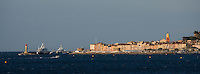 Europe/Provence-Alpes-Côte d'Azur/83/Var/Saint-Tropez: Le village et son Golfe