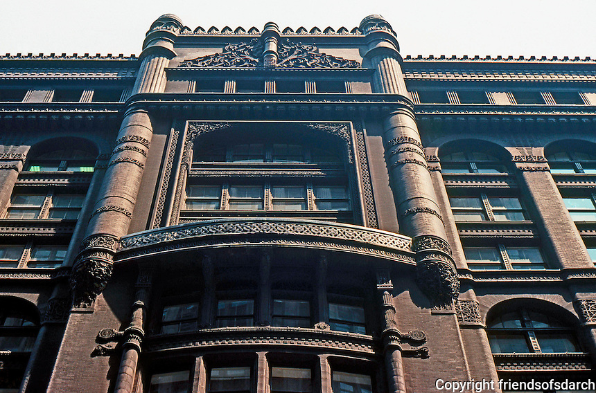 Burnham & Root: Rookery Building, 1886. Roofline and detail.  Photo '77.