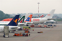 - airport of Milan Linate, AirOne, Alitalia and Wind Jet airliners, TNT cargo aircraft....- aeroporto di Milano Linate,aerei di linea Alitalia, Air One e Wind Jet, aereo cargo TNT