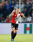 Nederland, Rotterdam, 11 mei 2015<br /> Eredivisie<br /> Seizoen 2014-2015<br /> Feyenoord-Vitesse<br /> Jordy Clasie, aanvoerder van Feyenoord heeft pijn aan zijn handen