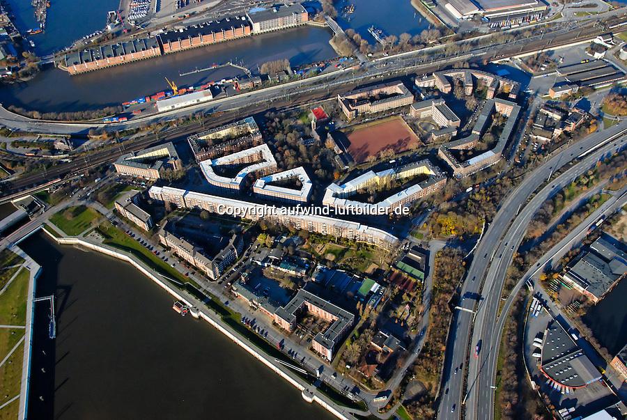 Veddel: EUROPA, DEUTSCHLAND, HAMBURG, (EUROPE, GERMANY), 24.11.2007:Hamburg, Veddel, Sozialer Wohnungsbau, Veddeler Brueckenstrasse, Slomannstrasse, Mueggenburger Zollhafen, Sanierung, Mietshaus, Haus, Wohnen, IBA 2013,  Luftbild, Luftansicht, Luftaufnahme, Aufwind- Luftbilder..c o p y r i g h t : A U F W I N D - L U F T B I L D E R . de.G e r t r u d - B a e u m e r - S t i e g 1 0 2, .2 1 0 3 5 H a m b u r g , G e r m a n y.P h o n e + 4 9 (0) 1 7 1 - 6 8 6 6 0 6 9 .E m a i l H w e i 1 @ a o l . c o m.w w w . a u f w i n d - l u f t b i l d e r . d e.K o n t o : P o s t b a n k H a m b u r g .B l z : 2 0 0 1 0 0 2 0 .K o n t o : 5 8 3 6 5 7 2 0 9.C o p y r i g h t n u r f u e r j o u r n a l i s t i s c h Z w e c k e, keine P e r s o e n l i c h ke i t s r e c h t e v o r h a n d e n, V e r o e f f e n t l i c h u n g  n u r  m i t  H o n o r a r  n a c h M F M, N a m e n s n e n n u n g  u n d B e l e g e x e m p l a r !.