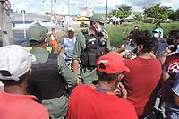 28/04/2021 - PROTESTO FECHA AVENIDA EM RECIFE