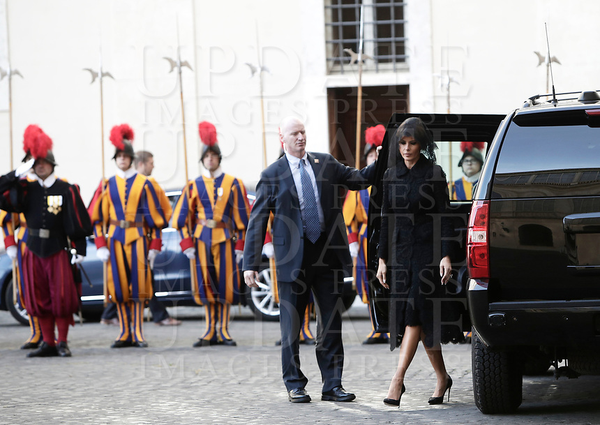 US First lady Melania Trump arrives at the San Damaso courtyard for a private audience with Pope Francis, at the Vatican, May 24, 2017.<br /> UPDATE IMAGES PRESS/Isabella Bonotto<br /> STRICTLY ONLY FOR EDITORIAL USE