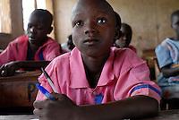 Uganda Karamoja Kotido , Karimojong a pastoral tribe, children in school / Uganda Karamoja Kotido , Volk der Karimojong, Kinder in einer Schule