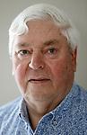 Foto: VidiPhoto<br /> <br /> OPHEUSDEN – Oud-brandweervrijwilliger Jan van Dam uit Opheusden bleef tijdens de evacuatie van Opheusden in 1995 in het dorp als hulpverlener. Van zijn filmbeelden en interviews uit die tijd is een DVD gemaakt.