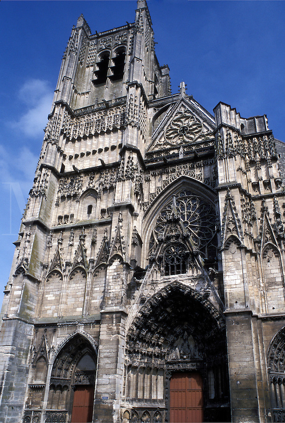 Cathedrale Saint Etienne, Auxerre, Burgundy, France, Yonne, Bourgogne, Europe, wine region, 12th century Cathedral St. Etienne in the city of Auxerre.