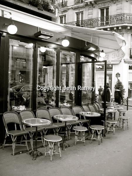 Parisian Cafe (B&W)