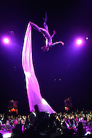 LONDON, ENGLAND - NOVEMBER 01:  An acrobat entertains the guests during the World Rugby Awards 2015 at Battersea Evolution on November 1, 2015 in London, England.  (Photo: World Rugby)