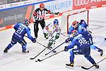 Wayne Simpson (Nr.21 - ERC Ingolstadt), Danny Kristo (Nr.79 - Augsburger Panther), Torwart Nicolas Daws (Nr.35 - ERC Ingolstadt), Mathew Bodie (Nr.22 - ERC Ingolstadt) und Daniel Pietta (Nr.86 - ERC Ingolstadt) beim Spiel in der Gruppe Sued der DEL, ERC Ingolstadt (dunkel) - Augsburger Panther (hell).<br /> <br /> Foto © PIX-Sportfotos *** Foto ist honorarpflichtig! *** Auf Anfrage in hoeherer Qualitaet/Aufloesung. Belegexemplar erbeten. Veroeffentlichung ausschliesslich fuer journalistisch-publizistische Zwecke. For editorial use only.