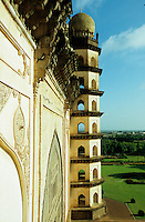 "S?dasien Asien Indien IND Bijapur Karnataka .Museum und Monument Golgumbaz von 1659 , Mausoleum von Mohammed Adil Shah. -  Baustil Muslim Architextur Moghul xagndaz | .South Asia India Bijapur Karnataka .Museum and Monument Golgumbaz of 1659 , Mausoleum of  Mohammed Adil Shah.  -  muslim architecture historical building .| [ copyright (c) Joerg Boethling / agenda , Veroeffentlichung nur gegen Honorar und Belegexemplar an / publication only with royalties and copy to:  agenda PG   Rothestr. 66   Germany D-22765 Hamburg   ph. ++49 40 391 907 14   e-mail: boethling@agenda-fototext.de   www.agenda-fototext.de   Bank: Hamburger Sparkasse  BLZ 200 505 50  Kto. 1281 120 178   IBAN: DE96 2005 0550 1281 1201 78   BIC: ""HASPDEHH"" ,  WEITERE MOTIVE ZU DIESEM THEMA SIND VORHANDEN!! MORE PICTURES ON THIS SUBJECT AVAILABLE!! INDIA PHOTO ARCHIVE: http://www.visualindia.net ] [#0,26,121#]"