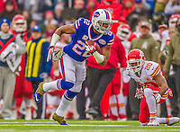 9 November 2014: Buffalo Bills running back Fred Jackson takes a swing pass forward for a 10-yard gain in the first quarter on a touchdown, first possession drive against the Kansas City Chiefs at Ralph Wilson Stadium in Orchard Park, NY. The Chiefs rallied with two fourth quarter touchdowns to defeat the Bills 17-13. Mandatory Credit: Ed Wolfstein Photo *** RAW (NEF) Image File Available ***