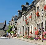 France, Brittany, Département Côtes-d'Armor, Locronan: one of The most beautiful villages of France (Les Plus Beaux Villages de France)   Frankreich, Bretagne, Département Côtes-d'Armor, Locronan: gehoert zu den schoensten Doerfern Frankreichs (Les plus beaux villages de France)