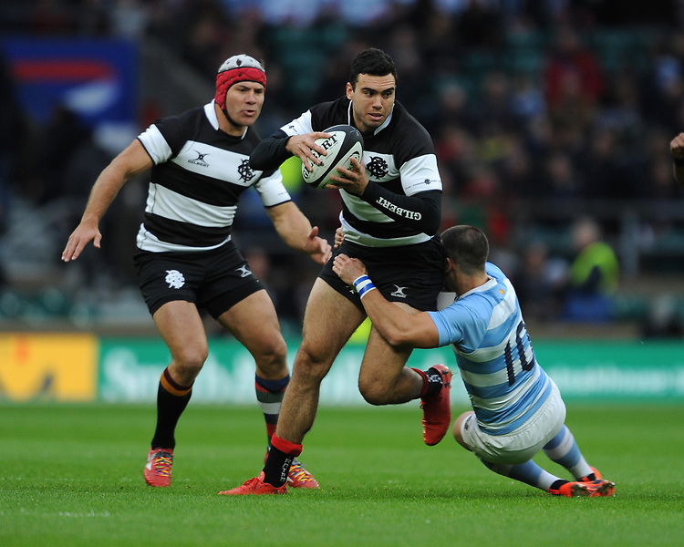 Jack Debreczeni of Barbarians (Chiefs) is tackled by Joaquin Diaz Bonilla of Argentina during the Killik Cup match between the Barbarians and Argentina at Twickenham Stadium on Saturday 1st December 2018 (Photo by Rob Munro/Stewart Communications)