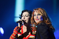 Lio et Julie Pietri lors de la tournÈe 'Stars 80, 10 ans dÈj‡ !' au Palais Nikaia ‡ Nice, le samedi 18 mars 2017. # TOURNEE 'STARS 80 - 10 ANS DEJA !' A NICE