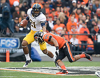 Keenan Allen of California runs the ball during kick-off return against Oregon State at Reser Stadium in Corvallis, Oregon on October 30th, 2010.   Oregon State defeated California, 35-7.