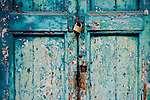 porte, portoni, maniglie e serrature di sassari, Italia<br /> doors, handles and locks in Sassari, Italy