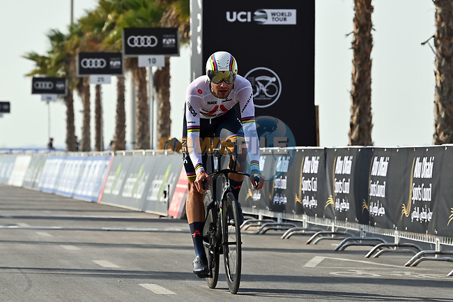 World Champion Filippo Ganna (ITA) Ineos Grenadiers wins Stage 2 of the 2021 UAE Tour running 13km around Al Hudayriyat Island, Abu Dhabi, UAE. 22nd February 2021.  <br /> Picture: LaPresse/Gian Mattia D'Alberto | Cyclefile<br /> <br /> All photos usage must carry mandatory copyright credit (© Cyclefile | LaPresse/Gian Mattia D'Alberto)
