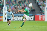 Johnny Sexton of Ireland takes a penalty kick during Match 28 of the Rugby World Cup 2015 between Ireland and Italy - 04/10/2015 - Queen Elizabeth Olympic Park, London<br /> Mandatory Credit: Rob Munro/Stewart Communications