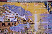 Europe/Italie/Côte Amalfitaine/Campagnie/Amalfi : Céramique représentant la ville et la côte Amalfitaine