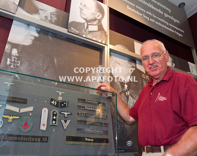 Oosterbeek, 210813<br /> Wiebo Boersma in Airbornemuseum bij SS materiaal.<br /> Foto: Sjef Prins - APA Foto