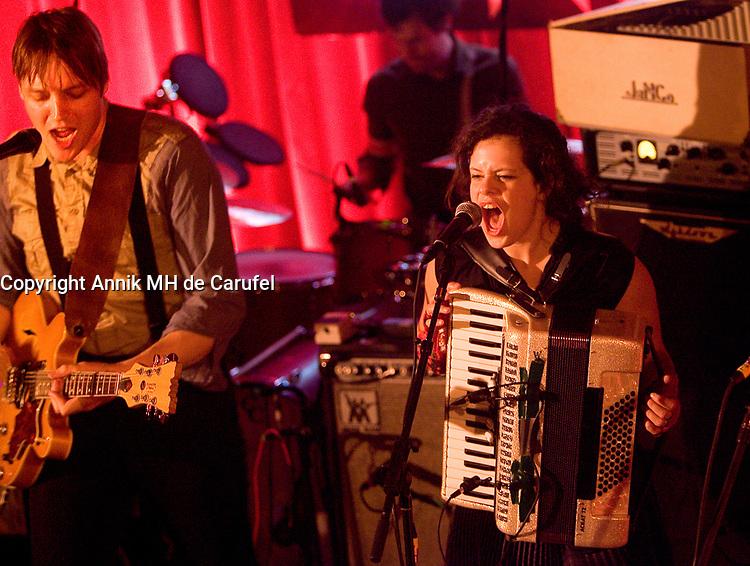 Le groupe montrealais Arcade Fire donne le deuxieme d'une serie de cinq spectacle a la Federation ukrainienne à montréal.<br /> <br /> Photo :(c) 2007  Annik MH de Carufel - Images Distribution<br /> <br /> Mimimum price 400 Euros / US $ per photo