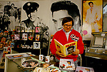 'ELVIS FANS', OWNER SID SHAW INSIDE HIS SHOP, 'ELVISLY YOURS' WHICH SELLS GIFTS, MEMROBILIA, SOUVENIRS & PICTURES OF ELVIS PRESLEY, LONDON