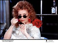 Prod DB © DR<br /> LE PALTOQUET de MICHEL DEVILLE<br /> FRANCE 1986<br /> Jeanne Moreau<br /> lunettes noires et rondes, pose de vernis a? ongles