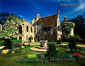 Tom Mackie, FLOWERS, photos, Scotney Castle, Lamberhurst, Kent, England, GBTM892239-2,#F# Garten, jardín