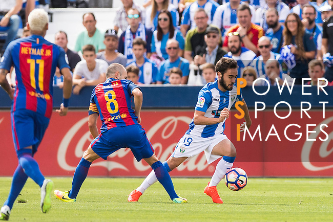Unai Lopez of Deportivo Leganes in action during their La Liga match between Deportivo Leganes and FC Barcelona at the Butarque Municipal Stadium on 17 September 2016 in Madrid, Spain. Photo by Diego Gonzalez Souto / Power Sport Images