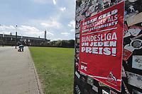 1.FC Koln Colonia vs. Mainz 05 26. Spieltag 17.05.20, 15.30 <br /> Sport 1 FC Koln Colonia vs. Mainz 05 26 Matchday 17 05 20, 15 30 Poster on the street in aachen <br /> Manifesto di protesta dei tifosi contro la ripresa della Bundesliga <br /> <br /> Photo Pool / Insidefoto